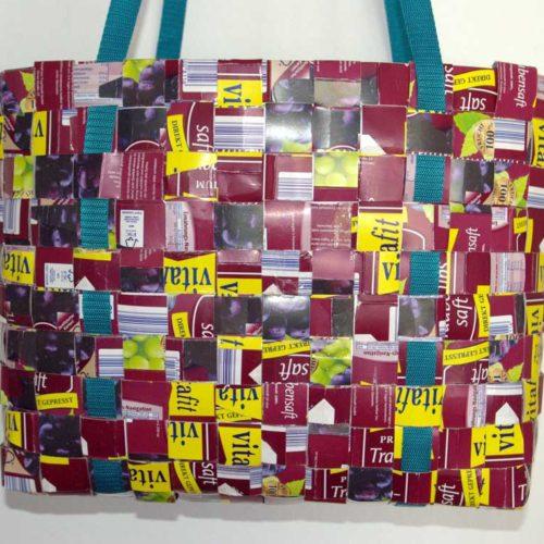 Upcycling Flechttasche aus Tetrapak, handgemacht, Unikat, bordeaux, Tetrabag, Tetrapaktasche