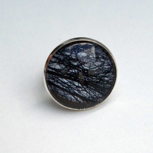 Upcycling Ring, Cabochon, rund, schwarz-weiß, Bohoschmuck, Grafik, Naturschmuck, Street Chic, Statement Ring