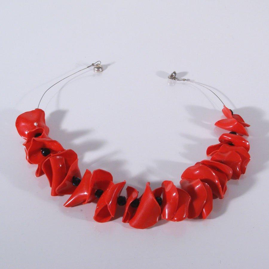 Upcycling Kette, PET Collier, rot, schwarze Perlen, Upcyling Perlen, PET - Perlen, Hippie, Boho, Gipsy, Street Chic, Urban Style, Statement Kette IT -PIece