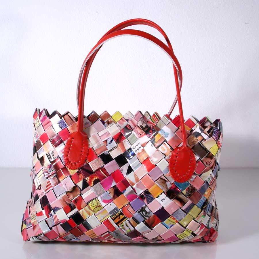 Upcycling Tasche, Flechttasche, Tasche aus Papierstreifen, Upcycling Flechttasche, rote Flechttasche, Unikat, Handgemacht, Recyclingtasche, Nachthaltige Tasche