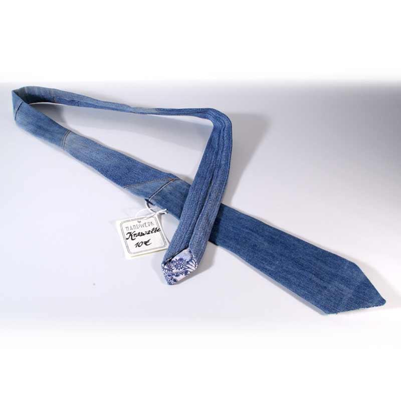 Upcycling Krawatte aus alten Jeans, Jeanskrawatte, Handarbeit, handgemacht, Unikat, blau, Jeansupcycling, Geschenk, Männergeschenk, green Fashion, Boho, Street Style, Urban Style