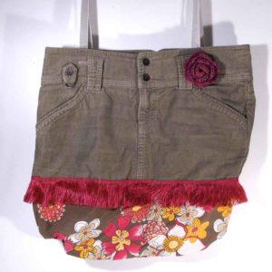 Upcycling Handtasche, Cordtasche, Tasche aus Hose, Upcycling Unikat, Tasche aus Cordhose, Cordtasche mit Blumenstoff, Bohotasche, Hippietasche