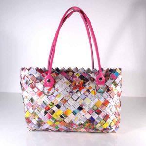 Papieretui, Upcycling Papiertasche, Paperbag, Tasche aus geflochtenen Papierstreifen, extravagante Papiertasche mit Klettverschluss